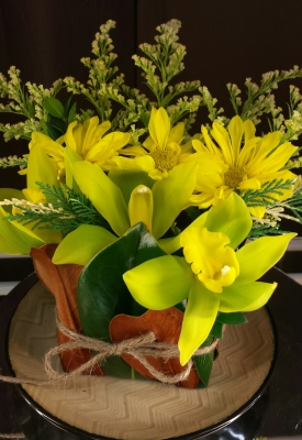 happy, cheerful flowers, bouquet, entertainers, orchid, vase, lumsden, regina, craven, regina beach, buena vista