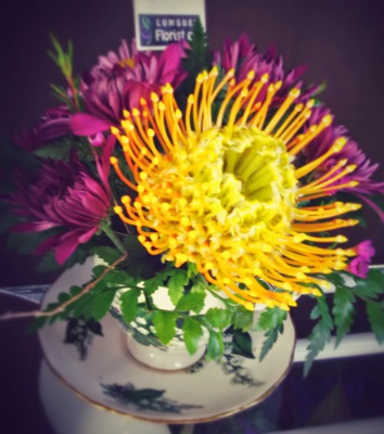 happy, cheerful flowers, bouquet, entertainers, protea, teacup, vase, lumsden, regina, craven, regina beach, buena vista