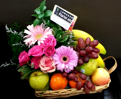 fruit, basket, chocolate, food, flowers, get well, happy, cheerful flowers, bouquet, entertainers, gerbera, rose, basket, vase, lumsden, regina, craven, regina beach, buena vista